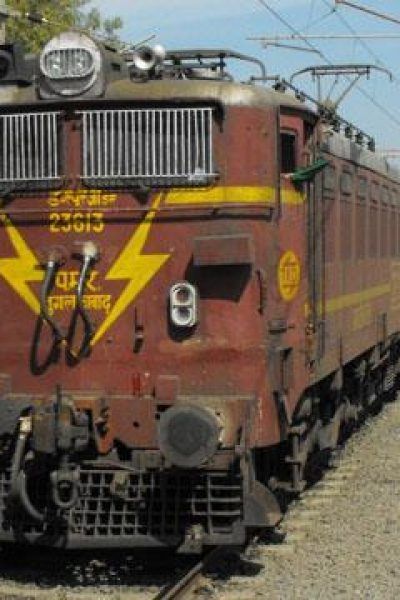 29949_tn_in-freight-container-train_17